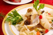 Куриные грудки маринованные и салат из курицы с гранатом